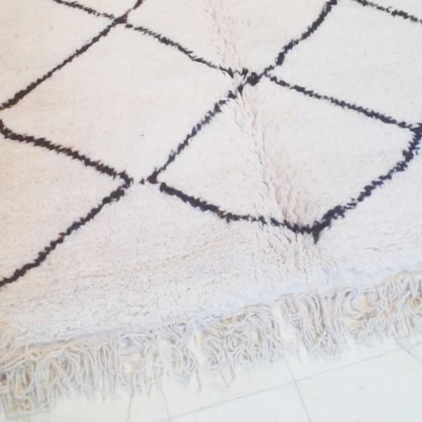 berber carpet beni ouarain of morocco 100 sheep wool. Black Bedroom Furniture Sets. Home Design Ideas