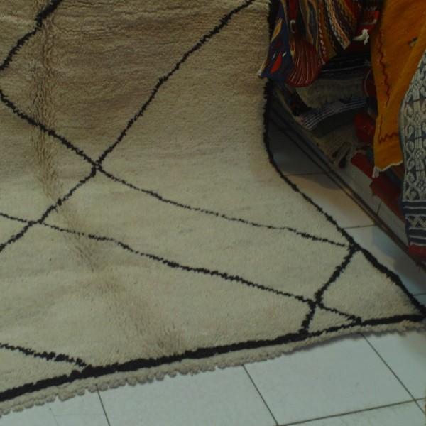 maroccan berber carpet beni ouarain knotted carpet. Black Bedroom Furniture Sets. Home Design Ideas