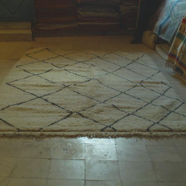 beni ouarain berber carpet middle atlas morocco. Black Bedroom Furniture Sets. Home Design Ideas