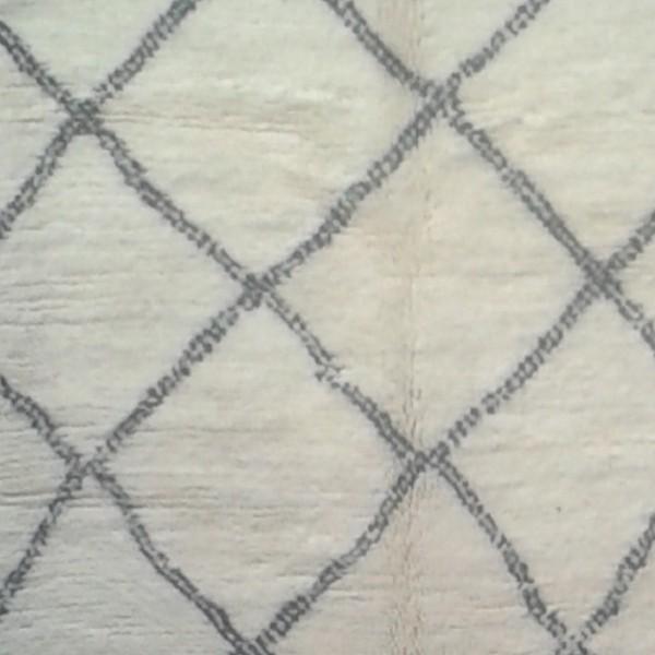beni ouarain berber carpet black ivory carpet morocco. Black Bedroom Furniture Sets. Home Design Ideas