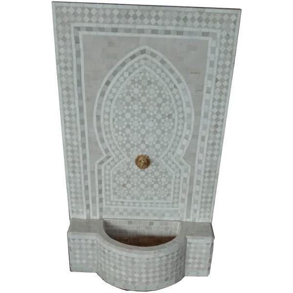 Fontaine murale en zellige marocaine blanche