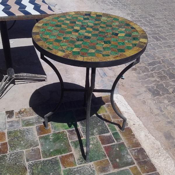 Table marocaine en zellige