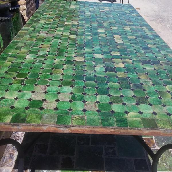 Table de jardin marocaine en mosaïque de zellige vert