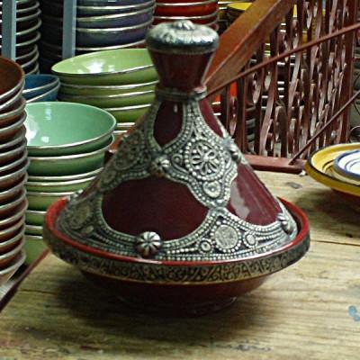 Plat à tajine marocain plaqué de métal