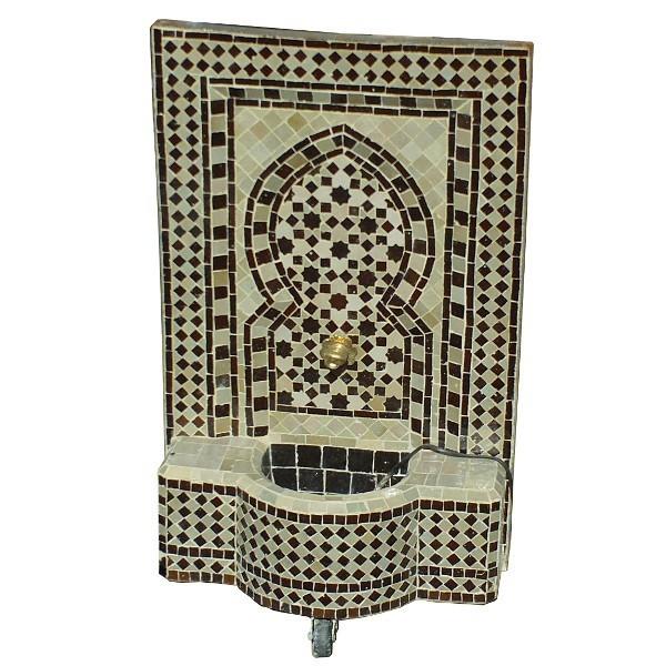 fontaine murale de jardin marocaine en zellige. Black Bedroom Furniture Sets. Home Design Ideas