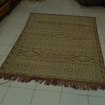 tapis kilim du maroc tapis hanbel marocain typique. Black Bedroom Furniture Sets. Home Design Ideas