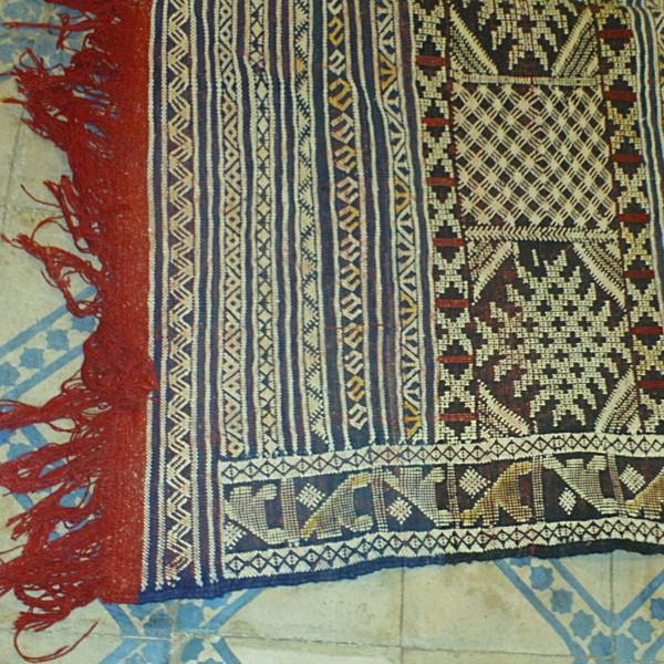 tapis kilims vintage berber kilim rug u2013 tapis kilim tapis kilim marocain bleu display all. Black Bedroom Furniture Sets. Home Design Ideas