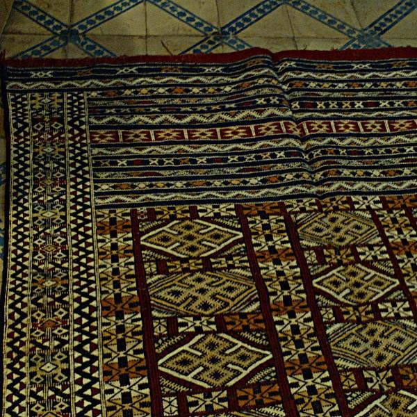 vintage moroccan kilim carpet khemisset marrakesh. Black Bedroom Furniture Sets. Home Design Ideas