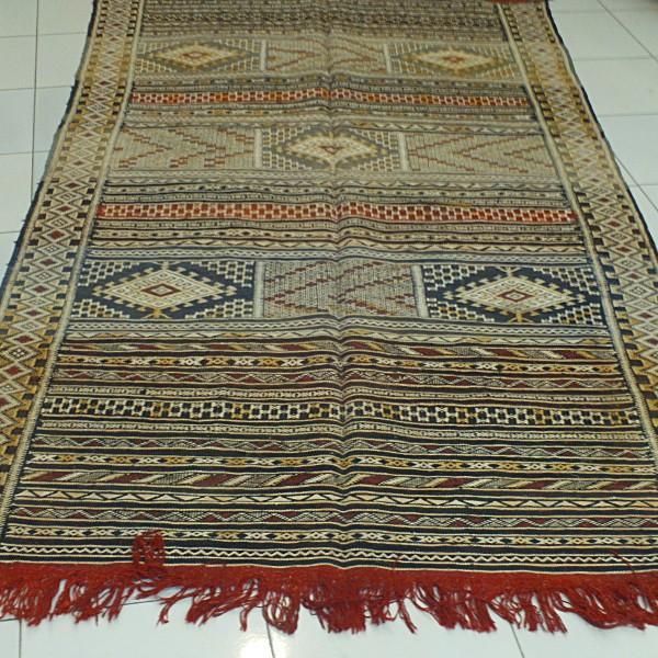 tapis kilim khemisset d coratif marrakech maroc. Black Bedroom Furniture Sets. Home Design Ideas