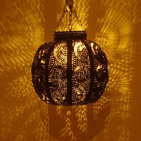 luminaire marocain de salon en fer marrakech maroc. Black Bedroom Furniture Sets. Home Design Ideas