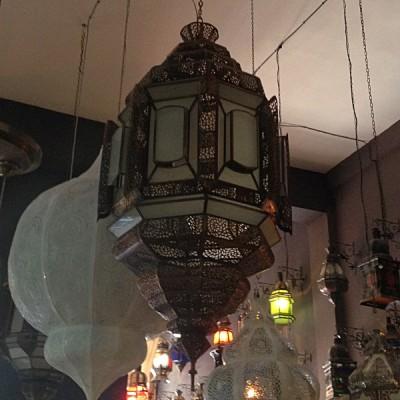 lustre marocain en cuivre vieilli lustre marocain de. Black Bedroom Furniture Sets. Home Design Ideas