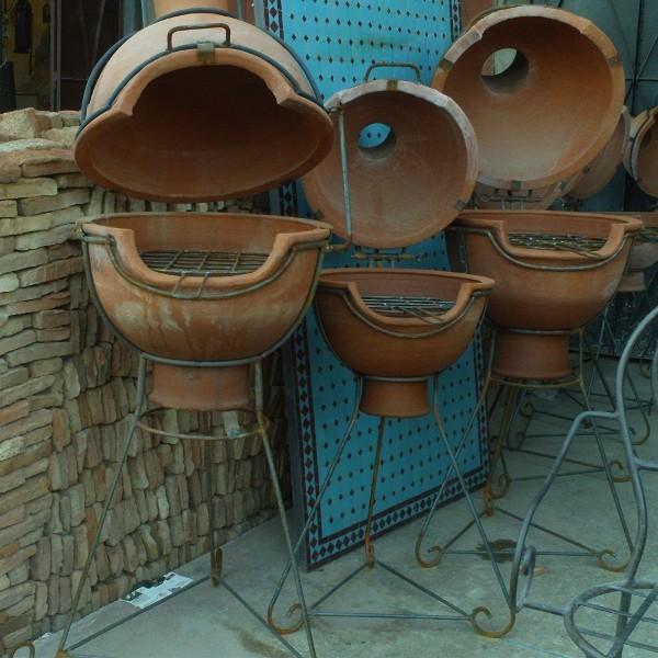 moroccan terracotta barbecue brasero of marrakech morocco. Black Bedroom Furniture Sets. Home Design Ideas