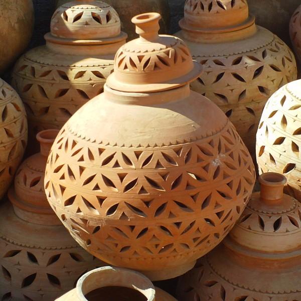 lampe de jardin poterie artisanale marocaine de marrakech. Black Bedroom Furniture Sets. Home Design Ideas