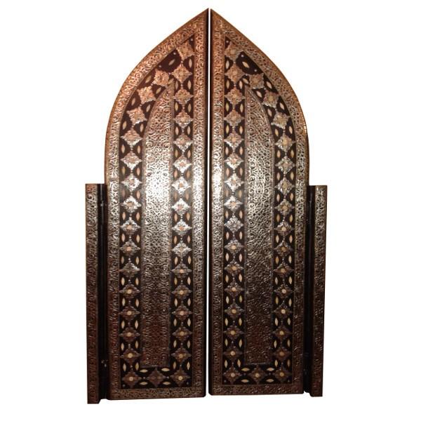 porte marocaine deux battants d cor e de m tal et os artisanat marocain. Black Bedroom Furniture Sets. Home Design Ideas