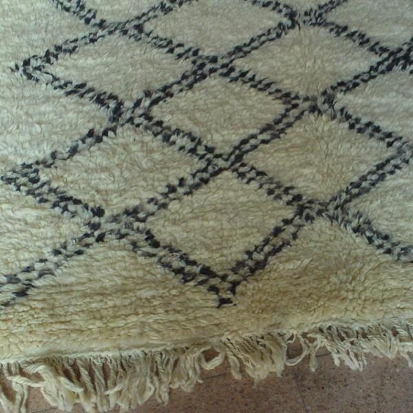beni ouarain morocco berber rug. Black Bedroom Furniture Sets. Home Design Ideas