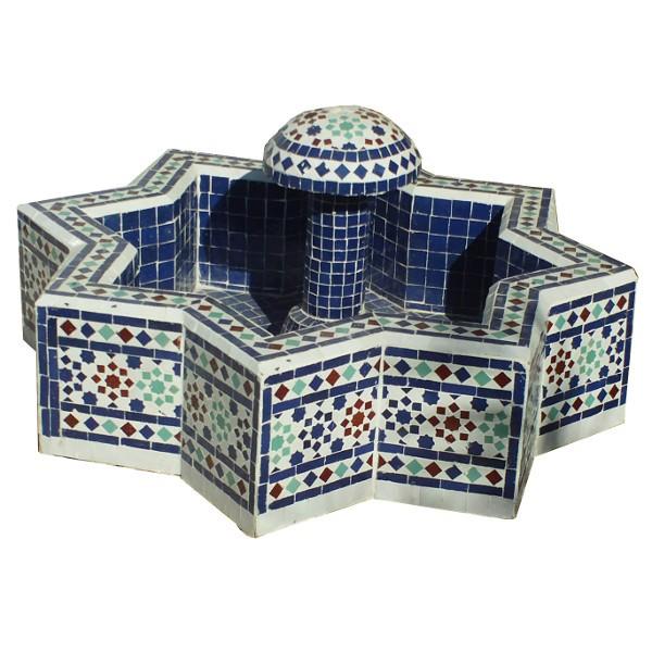 Artisanat marocain de Marrakech: Une fontaine de jardin écologique