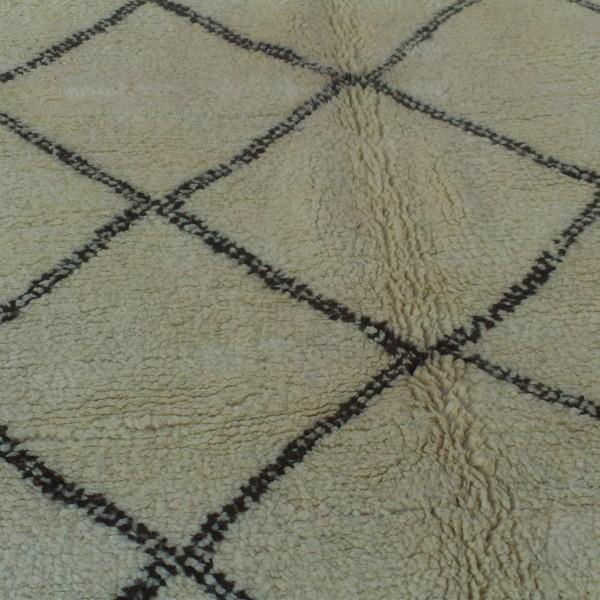 tapis beni ouarain laine paisse origine maroc. Black Bedroom Furniture Sets. Home Design Ideas
