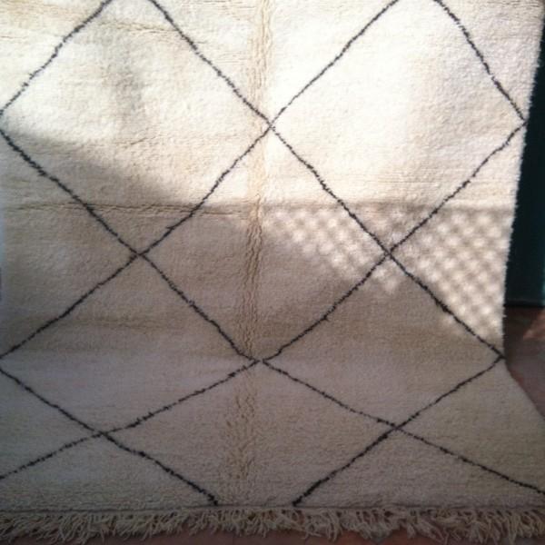 beni ouarain berber rug marrakesh morocco. Black Bedroom Furniture Sets. Home Design Ideas