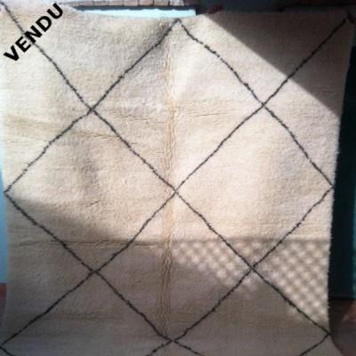 tapis beni ouarain tapis berb re en laine marrakech. Black Bedroom Furniture Sets. Home Design Ideas