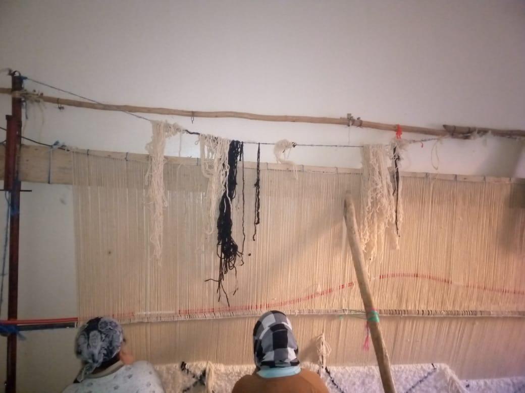 Fabrication d'un tapis Beni Ouarain au douar