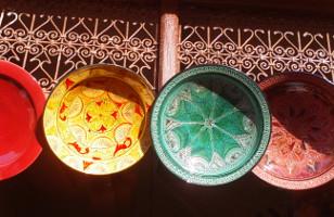 Plats en céramique du Maroc