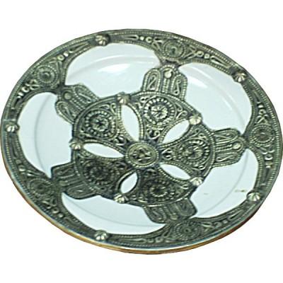 Plat marocain, céramique et fer argenté ciselé