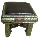 Tabouret marocain orné de métal