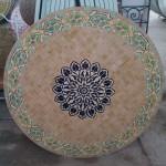 Table en zellige marocaine